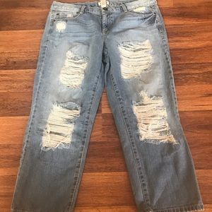 Mudd distressed Capri